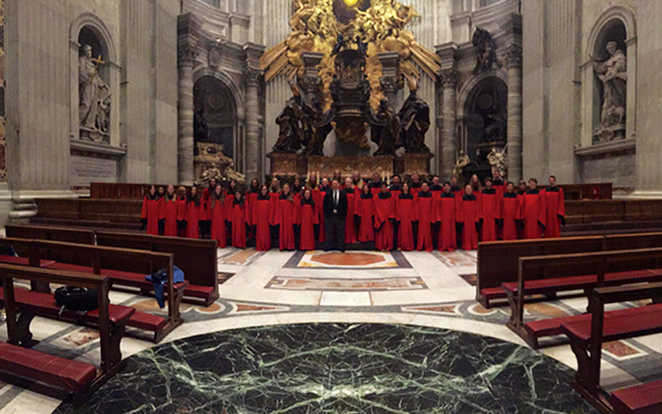 The 2015-16 Red Robe Choir after its performance at St. Peter's Basilica. (Courtesy of GHS Museum)